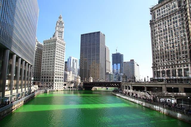 Grüner Fluss