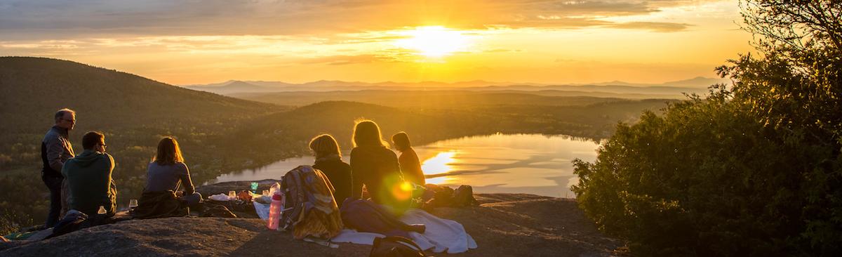 Picknick beim Sonnenuntergang