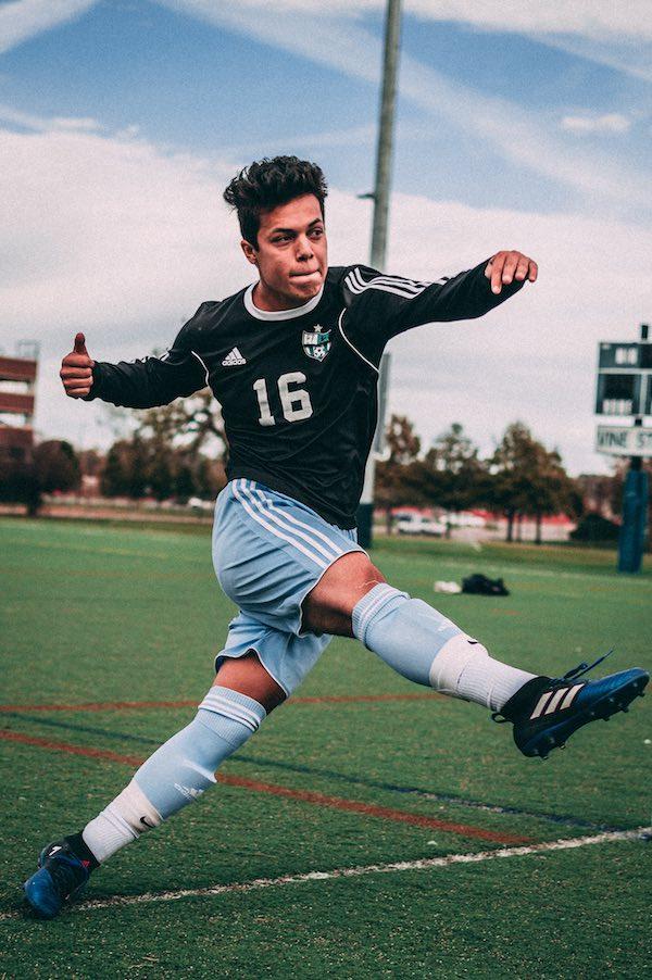 Ein junger Fußballspieler