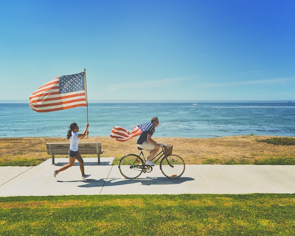 Die US-Flagge am Strand | Rabatte Coupons