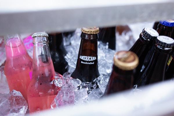 Getränke in einer Kühlbox | Rabatte Coupons