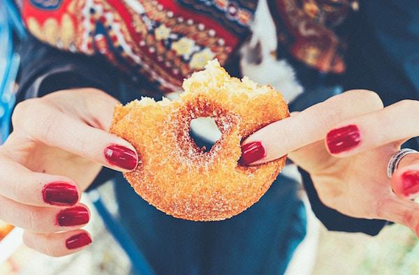 Ein angebissener Donut | Rabatte Coupons