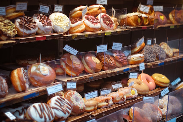 Donuts in einem Coffeeshop | Rabatte Coupons