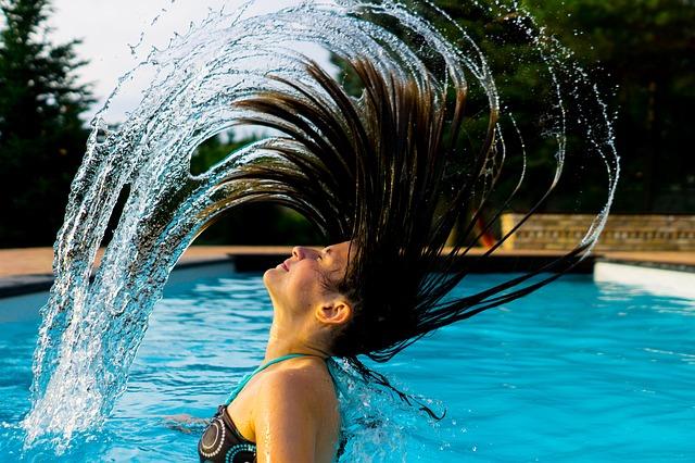 Schwimmerin im Wasser | Nivea Gutschein