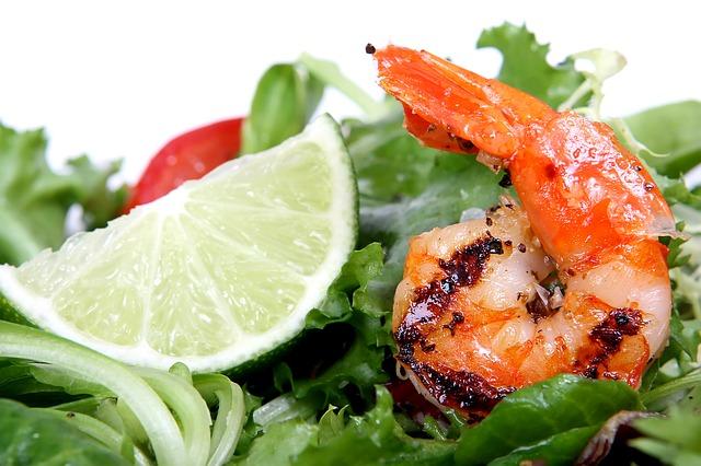 Shrimps nebst einem Limettenschnitz   RAbattcoupons