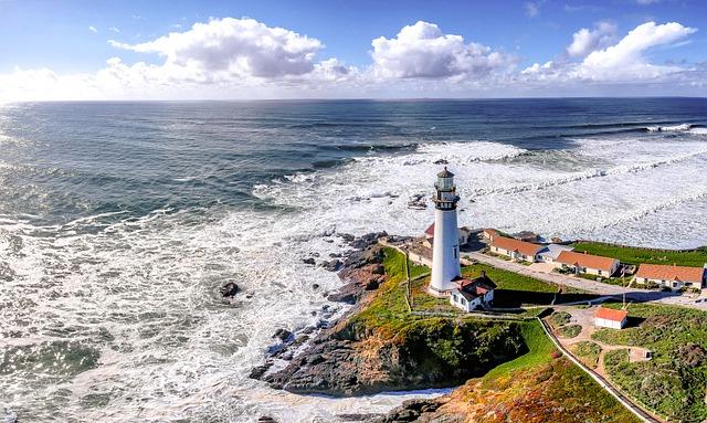 Ein Leuchtturm am Meer   Rabattcoupons
