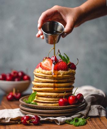 Frische Pfannkuchen mit Ahornsirup | Nu3 Gutschein