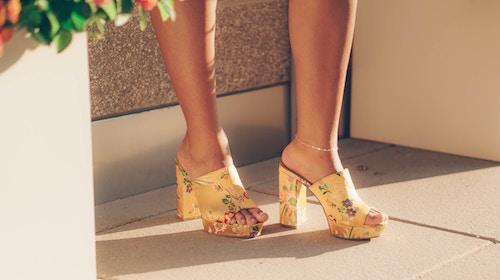 Schicke Schuhe in der Farbe Gelb   Sarenza Gutschein