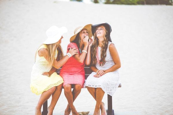 miteinander lachen schweißt zusammen | Rabatt-Coupon
