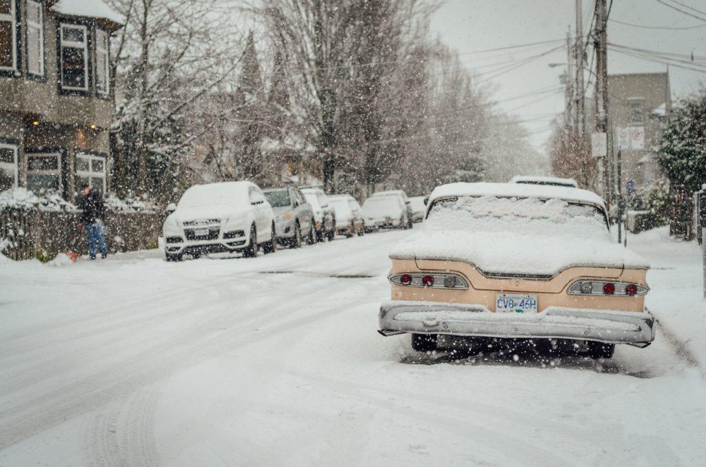 Autos voller Schnee   rabatt coupons
