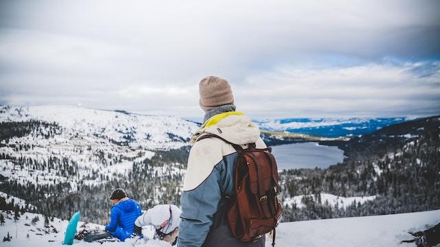 Bergwanderer im Winter | rabatte coupons