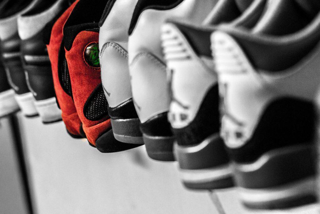 Schöne Warme Jahreszeit Karomuster kommen aufwärts dem Nike