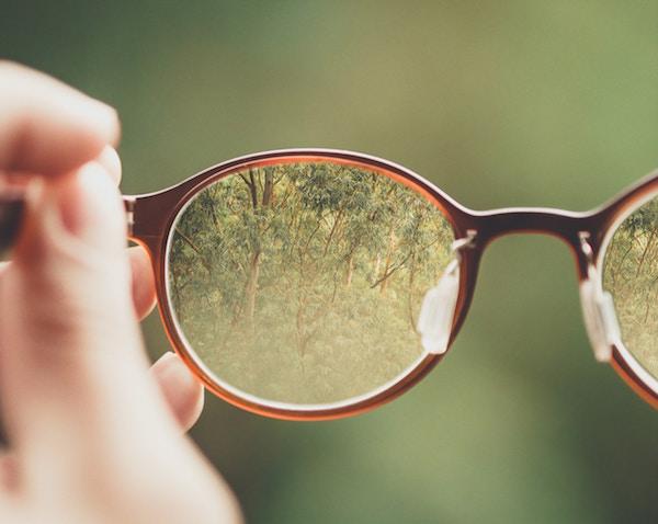 Durch Brillen wird alles scharf | rabatte coupons