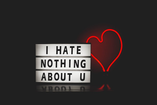I hate nothing about u Schild | Handytick Gutschein