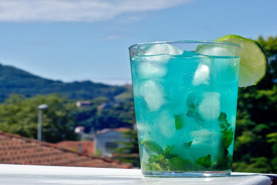 Cocktails selber machen | Cocktails mit Gin | Schuler Weine Gutschein | www.rabatt-coupon.com