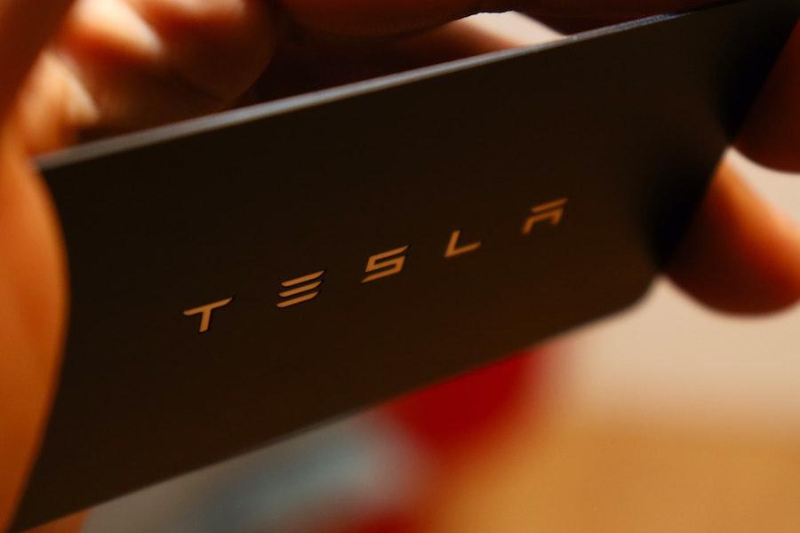 Tesla Smartphone 2021  Tesla Smartphone Review   www.rabatt-coupon.com