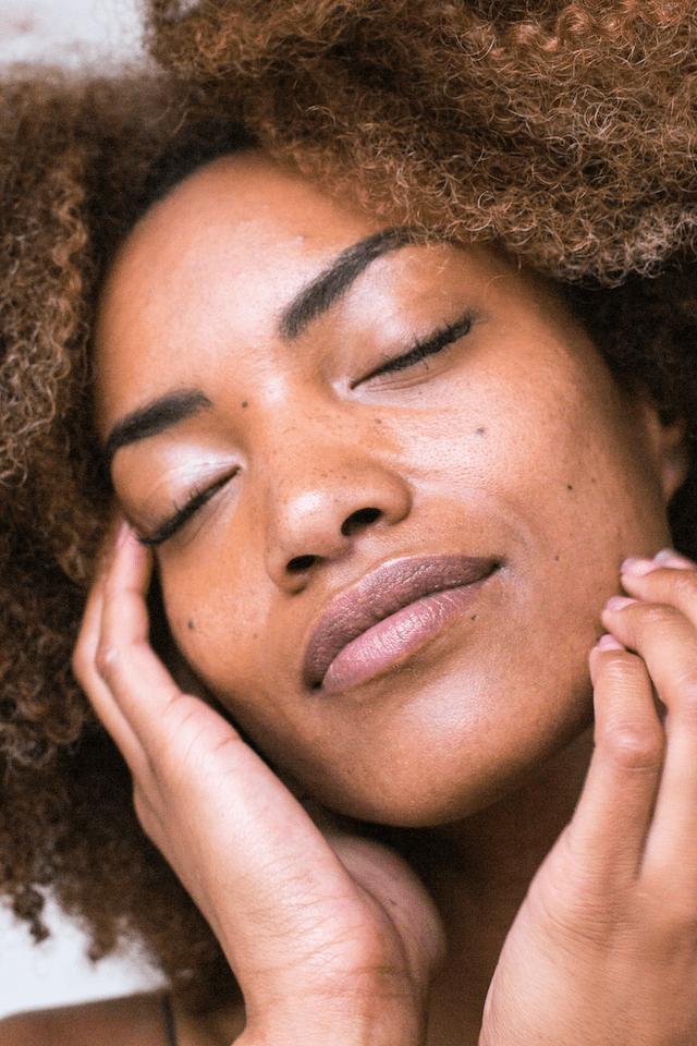 Haut im Sommer pflegen Öl gegen Falten im Gesicht | www.rabatt-coupon.com
