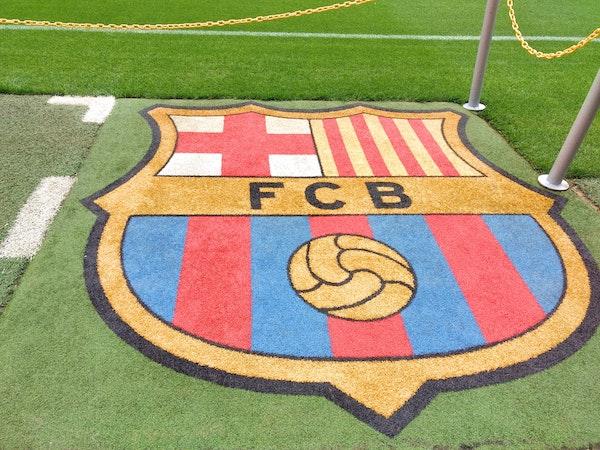 unglaubliche Gehaltszahlen zwingen den FCB in die Knie